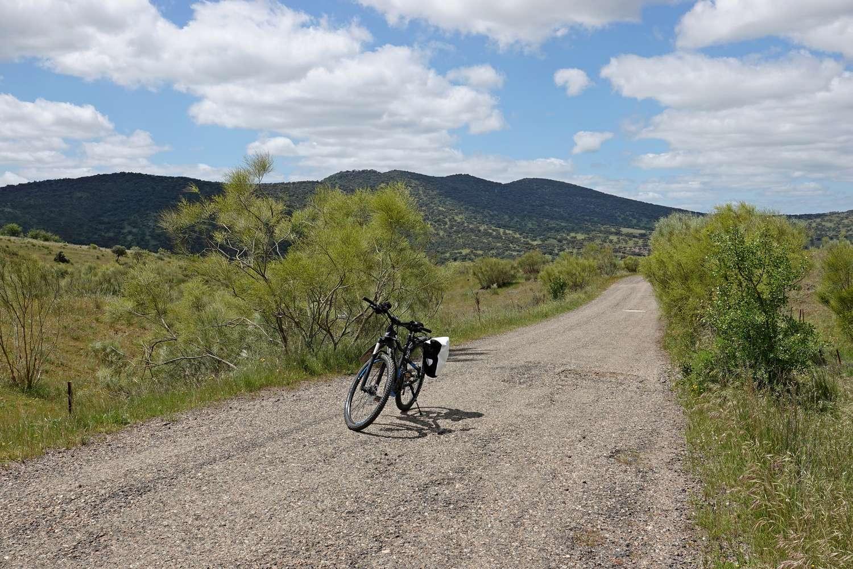 Het landschap in Extremadura is mooi en afwisselend en bijzonder om doorheen te fiesten